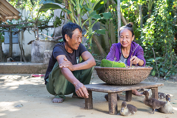 brother and sister in Vietnam