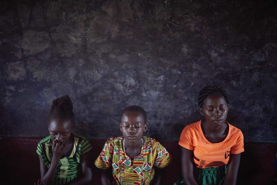 children in peacebuilding exercise