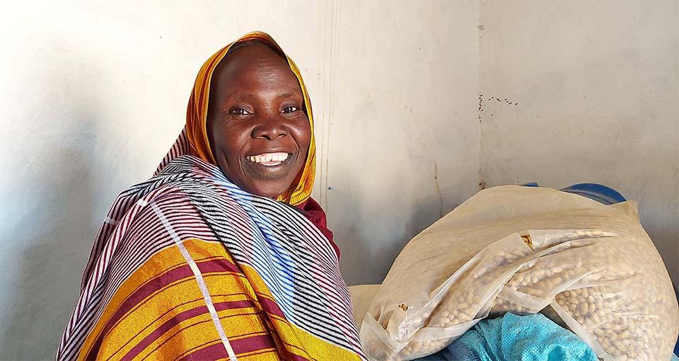 Sudanese woman in community seed bank in West Darfur