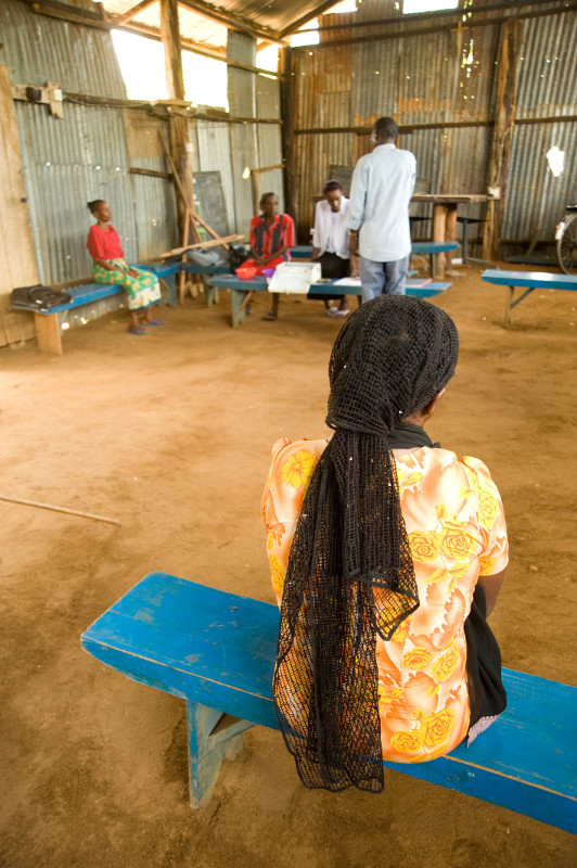 New mothers in western Kenya are invited to take part in support groups. Photo by David Snyder/CRS