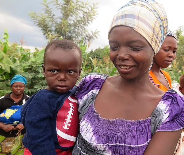 Mother and child in CRS nutrition project in Rwanda