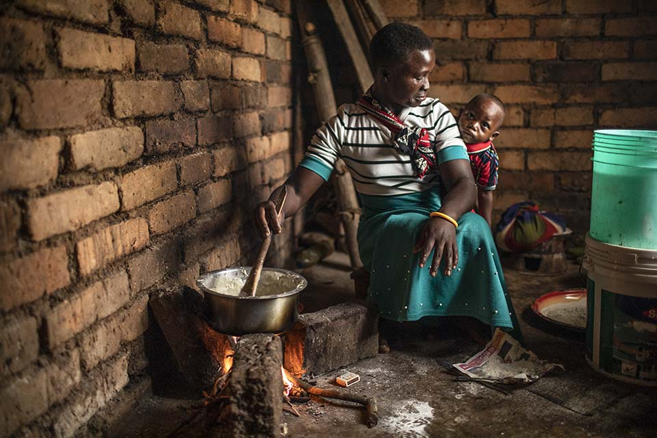 mother cooks in Tanzania