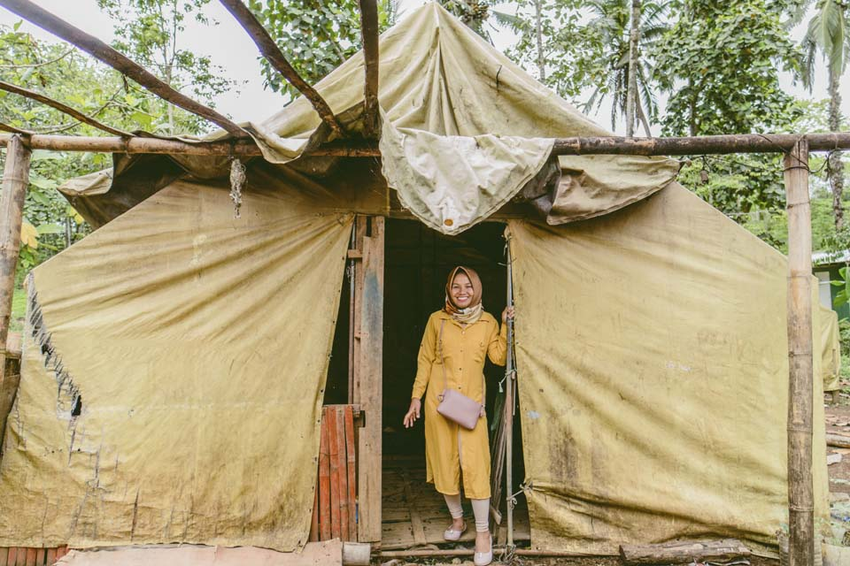 Philippines tent shelter