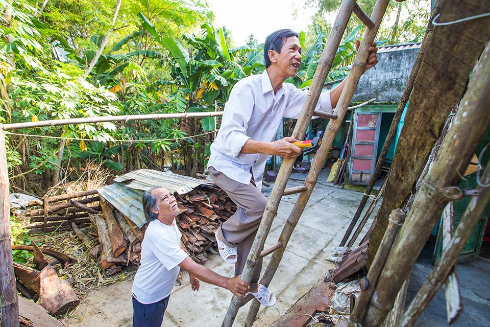replacing a roof in Vietnam