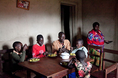 A Rwandan family benefits from a CRS partnership with Keurig Green Mountain. Photo by Laura Elizabeth Pohl for CRS.