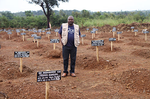 In the district of Port Loko, cemetery teams bury between 20 to 30 people per day. Photo by Donal Reilly/CRS