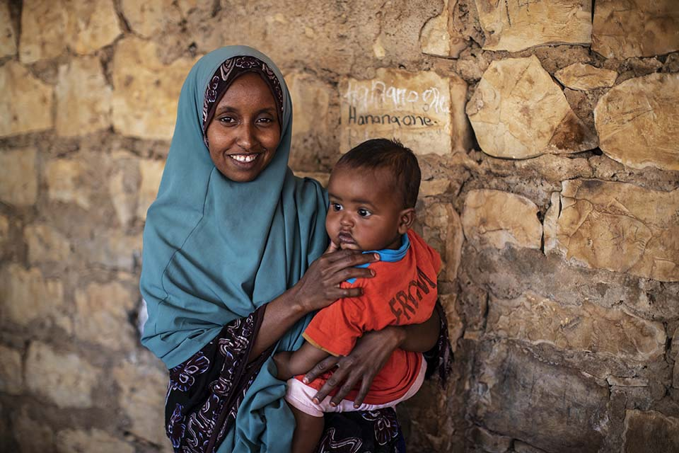 Somalia mother and child