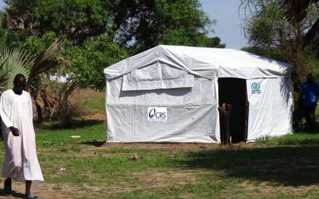 CRS has helped people displaced by fighting in Kalthok and Yolakot, South Sudan, construct 2,500 temporary shelters. Photo by Abdelhamid Kalai/CRS