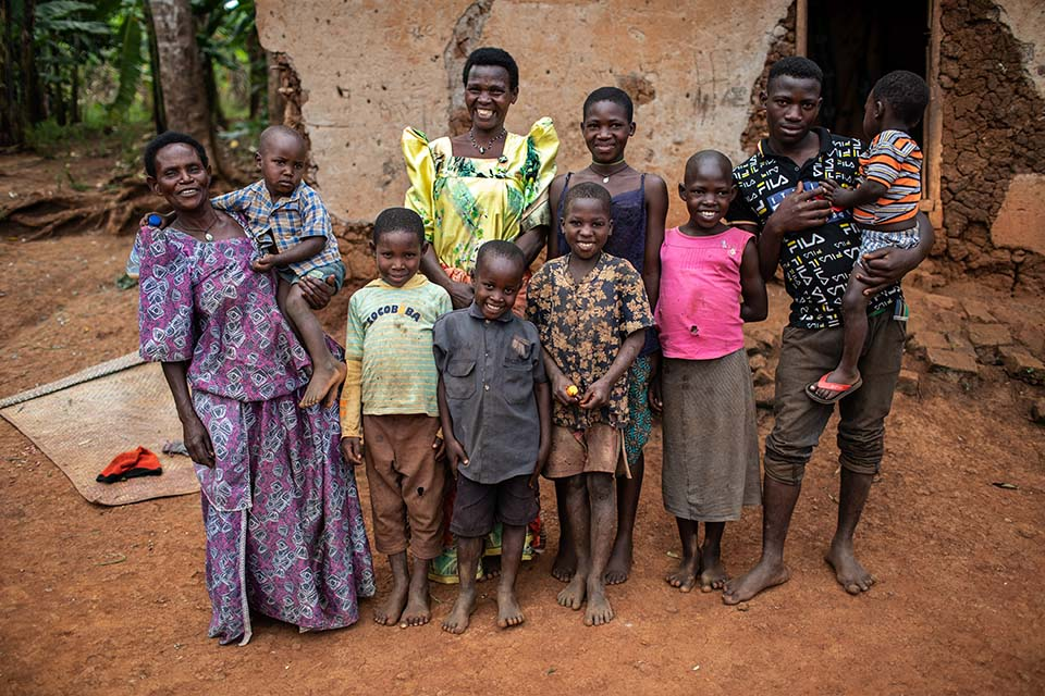 Uganda farmers and their children