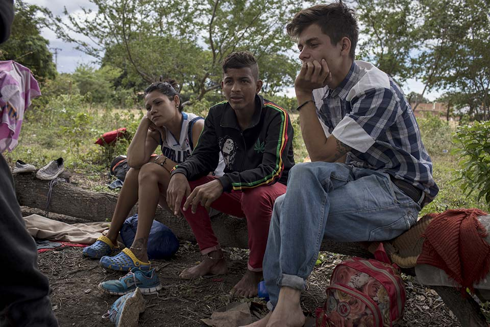 young Venezuelan migrants in Colombia