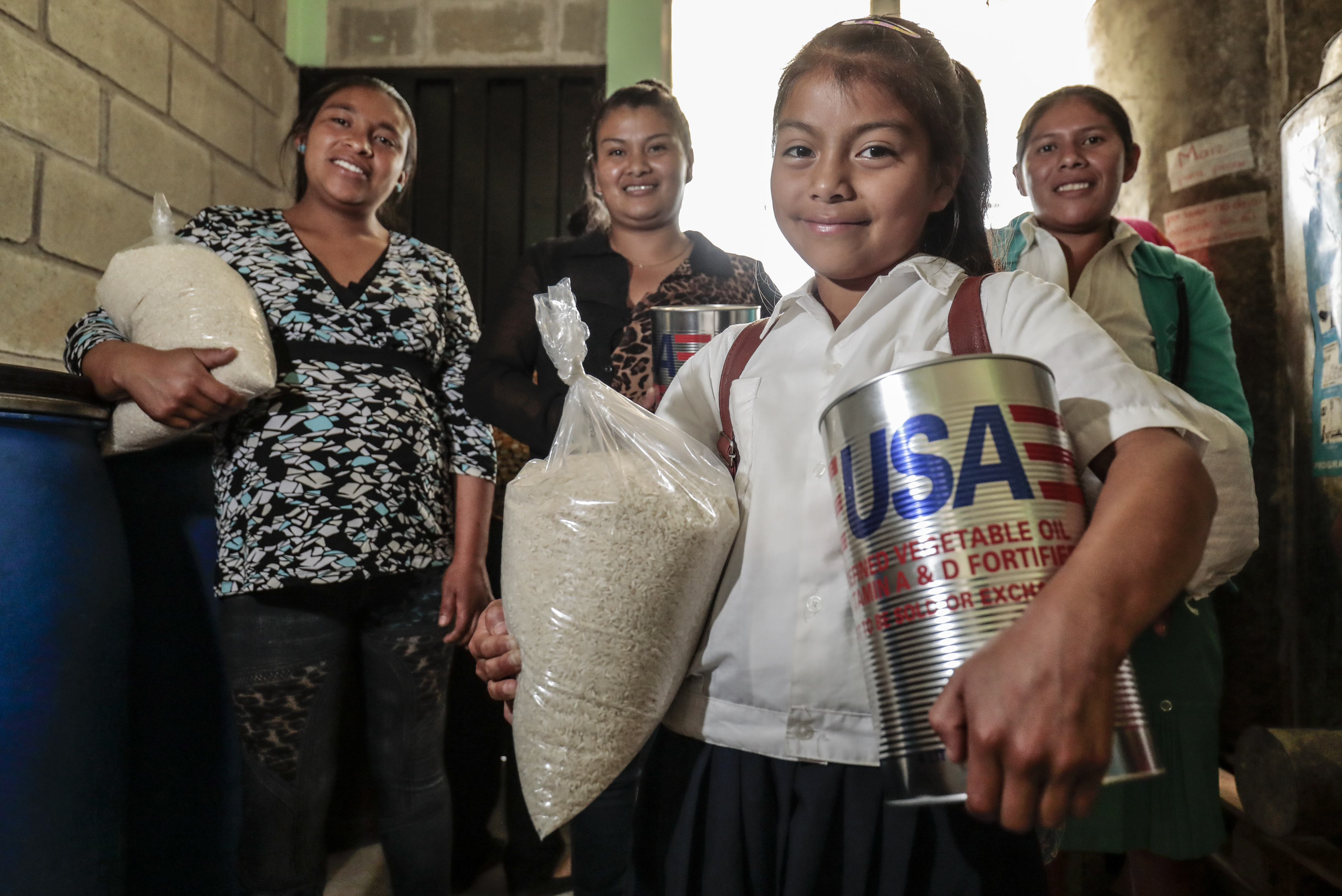 Picture of three women and a child from Honduras