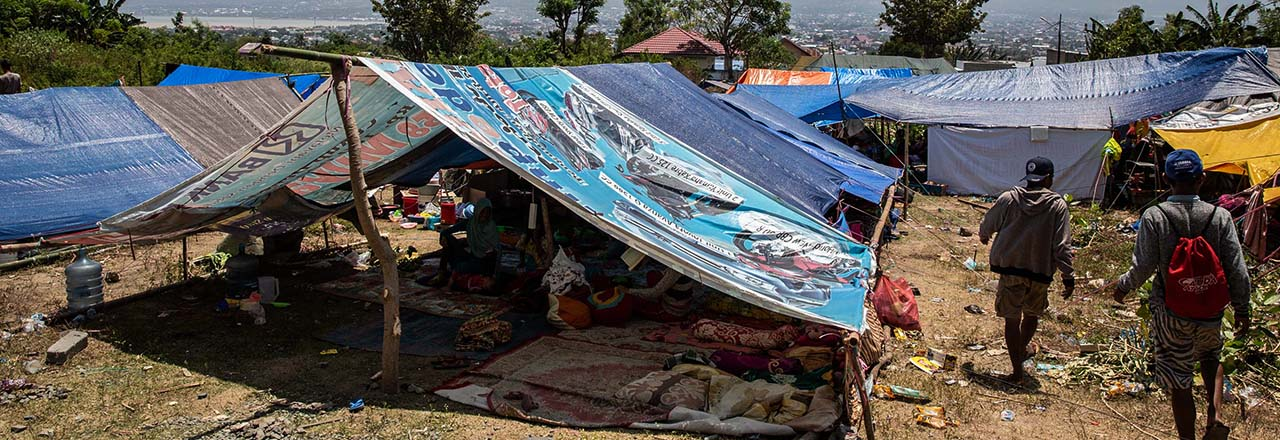 Indonesia quake temporary shelter