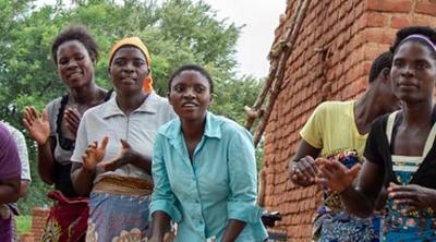 Malawi women dancing